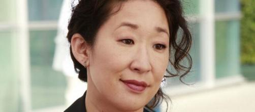 Sandra Oh ha ripercorso l'esperienza sul set di Grey's Anatomy definendo 'traumatici' i primi approcci con la grande popolarità.