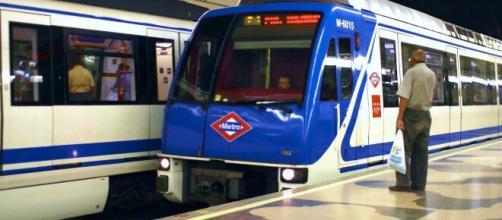 Un fallo técnico en el Metro de Madrid ha dejado una escena de nervios ante el coronavirus