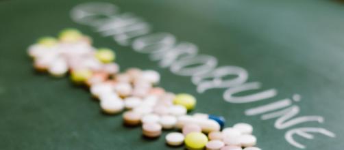 Vários órgãos de saúde pelo mundo proibiram o uso da hidroxicloroquina para tratar a Covid-19. (Arquivo Blasting News)