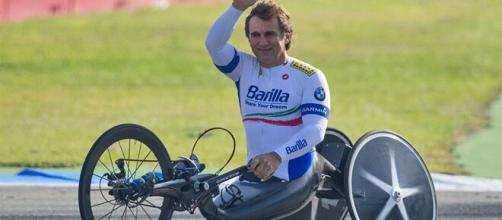 Davide Cassani parla di Alex Zanardi: merita tutto il bene del mondo.