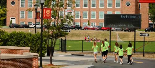 Escuelas del estado de Nueva York podrían comenzar las actividades presenciales en próximo período académico.