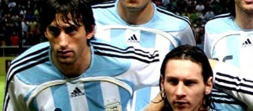 Milito e Messi hanno giocato insieme nella nazionale dell'Argentina.
