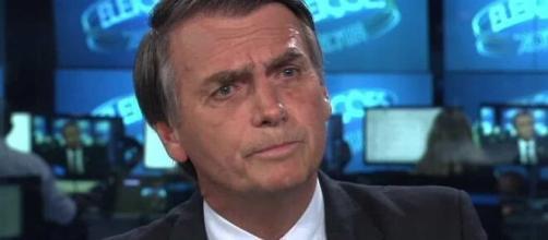 Bolsonaro rebate edição que falou sobre as 100 mil mortes. (Arquivo Blasting News)