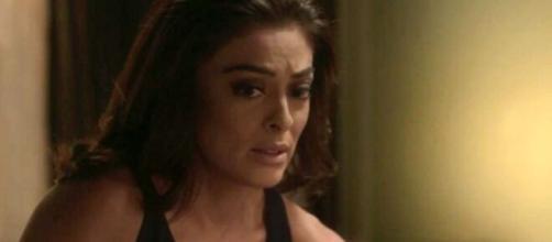 Carol ficará desolada sem emprego e perspectiva em 'Totalmente Demais'. (Reprodução/TV Globo)