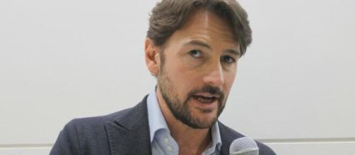 Il Paradiso delle Signore, Roberto Farnesi anticipa: 'Umberto Guarnieri andrà alla ricerca di Adelaide'.