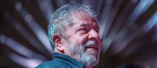 Lula culpa Bolsonaro por número expressivo de mortes por Covid-19 no país. (Arquivo Blasting News)