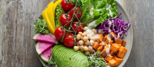 Uma dieta low carb é uma opção para quem deseja priorizar proteínas no cardápio. (Arquivo Blasting News)