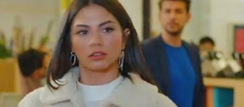 DayDreamer, anticipazioni turche: Emre sorprende Sanem in compagnia di Enzo Fabbri.