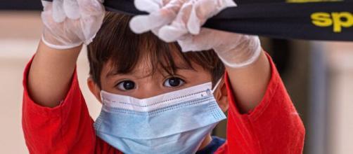 EEUU registra 97.000 niños contagiados de COVID-19 en solo dos semanas. - yahoo.com