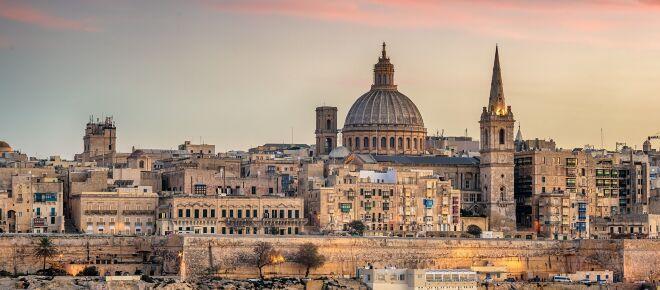 Bari, sei ragazzi positivi alla Covid-19 dopo un viaggio a Malta