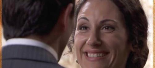 Una vita, spoiler Spagna: Lolita viene a sapere di aspettare un bambino, Antonito è felice.