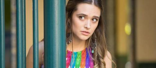 Cassandra descobre mistério da irmã da modelo ruiva. (Arquivo Blasting News)