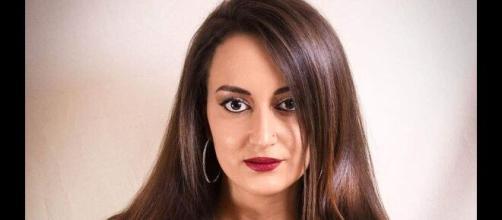 Lidia Laudani è modella curvy, speaker radiofonica e conduttrice TV.