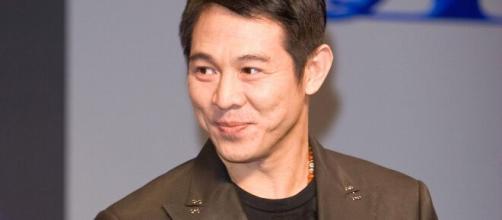 O ator chinês Jet Li se destacou nos Estados Unidos, atuando em grandes filmes como Máquina Mortífera 4 e Romeu Tem Que Morrer.