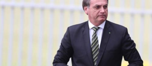 Fundo do Pré-sal: Senado aprova projeto que retira R$ 242 bilhões da saúde e educação. (Artigo Blasting News)