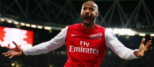 Aniversariante do dia, Thierry Henry completa 43 anos e foi um grande jogador do Arsenal. (Arquivo Blasting News)