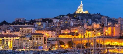 L'interdiction d'afficher un signe d'appartenance au PSG aux alentours du vieux porte de Marseille finalement annulée