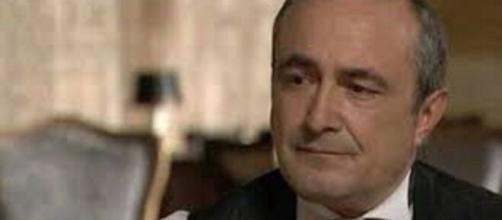 Una vita, trama puntata del 21 agosto: Ramon finge di non sapere nulla della truffa di Alfredo.
