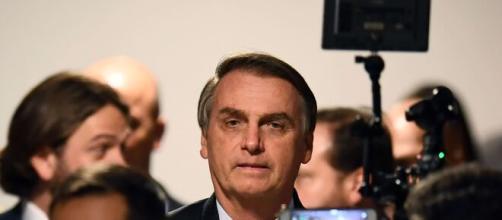 Bolsonaro sanciona flexibilização do ano escolar mas veta apoio na pandemia. (Arquivo Blasting News)