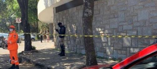 Criança de 9 anos caiu do 4º andar de prédio, em BH. (Divulgação/Corpo de Bombeiros)