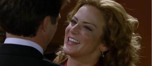 Renata se declara para Jerônimo. (Reprodução/Televisa)