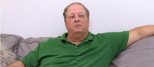 90 Day Fiancé: A fan exposed that Elizabeth's father is doing the frauds. [Image Source: TLC/ YouTube]
