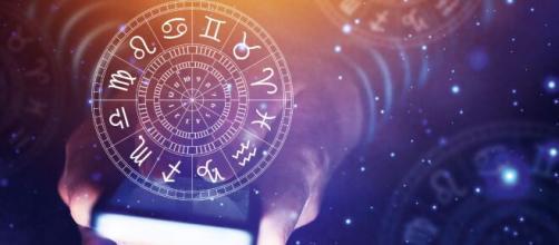 Previsioni oroscopo di lunedì 3 agosto 2020.