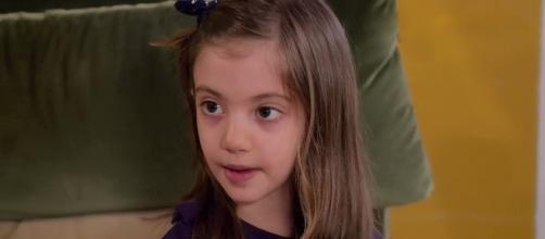 Un posto al sole: Irene Sartori interpretata dalla piccola Greta Putaturo.