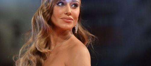 Belen Rodriguez, sarebbe scattato il bacio con Antonio Spinalbanese.