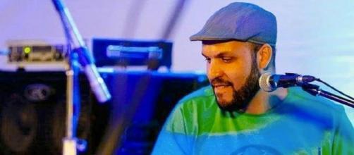 O músico Hugo Carranca se encontrava hospitalizado há alguns dias. (Reprodução/ Instagram/ @recuperacarranca)