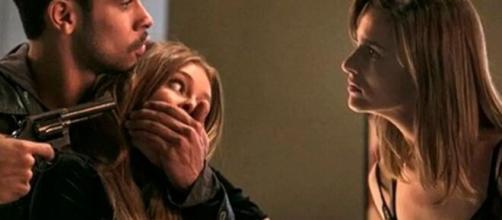 Sofia tentará atropelar e afogar a ruivinha em 'Totalmente Demais'.(Foto: Globo).