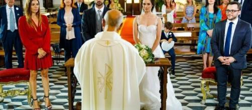 Un posto al sole, trame al 4 settembre: Susanna e Niko si sposano.