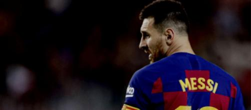 Messi, non è sicura la sua permanenza al Barcellona.