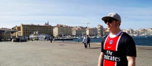 Porter un maillot du PSG sera interdit à Marseille autour du Vieux-Port ce dimanche 23 août, source : capture Facebook - France Interr