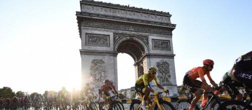 Primoz Roglic è il primo favorito per la vittoria al Tour de France.