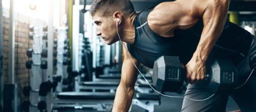 Treinar em academia não se limita à musculação. (Arquivo Blasting News)