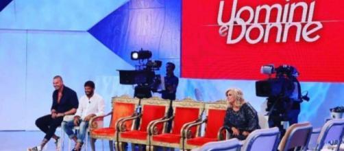 Uomini e Donne: chiuso il sondaggio per la scelta dei tronisti, il 27 agosto la prima registrazione.