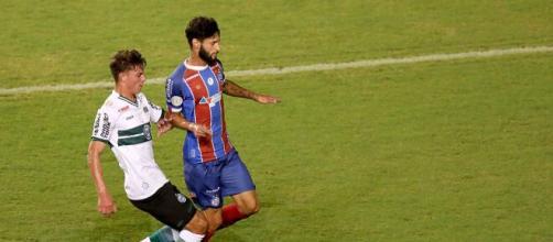 Campeões brasileiros, Bahia e Coritiba são estampados por marcas próprias esportivas desde 2018. (Arquivo Blasting News)