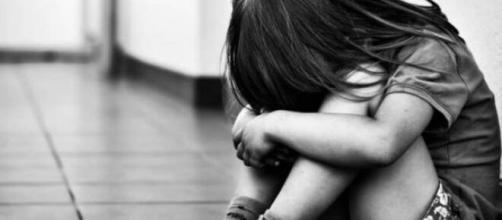 'Gosta de dar, assuma as consequências', diz padre sobre menina. (Arquivo Blasting News)