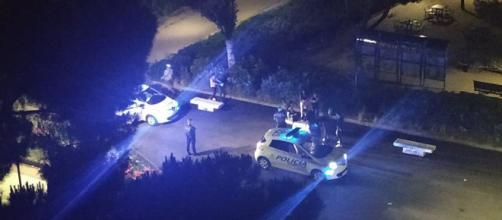Policía Municipal desmontando una fiesta ilegal en el parque Aluche en mayo (Ana Fernández)