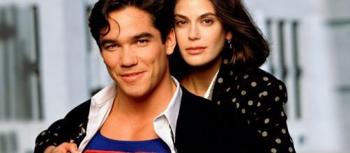 A série 'Lois & Clark - As Novas Aventuras do Superman' foi um sucesso na década de 90. (Arquivo Blasting News)