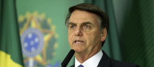 Bolsonaro repete que governo não consegue manter auxílio de R$ 600. (Agência Brasil)