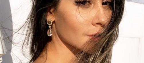 Mayra Cardi deixa militantes LGBTQ+ irritados ao dizer que está 'aberta a mulheres'. (Arquivo Blasting News)