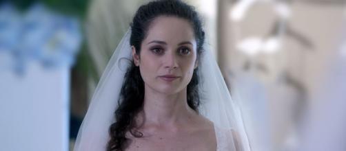 Un posto al sole: Susanna (Agnese Lorenzini) in abito da sposa