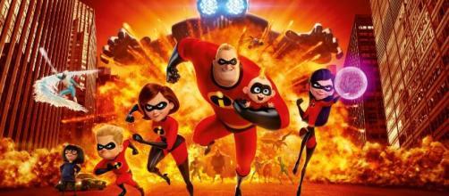 Família de super-herói 'Os Incríveis 2' comemora a chegada do Bebê. (Aquivo Blasting News)