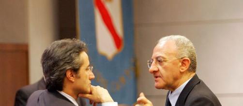 Il presidente della Regione Campania Vincenzo De Luca e ricandidato sarebbe in netto vantaggio nei sondaggi.
