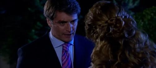 Jerônimo se volta contra Renata. (Reprodução/Televisa)