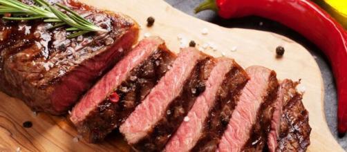 Os riscos da carne vermelha para o organismo. (Arquivo Blasting News)