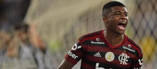 Lincoln tem proposta de empréstimo, mas Flamengo quer a venda. (Arquivo Blasting News)