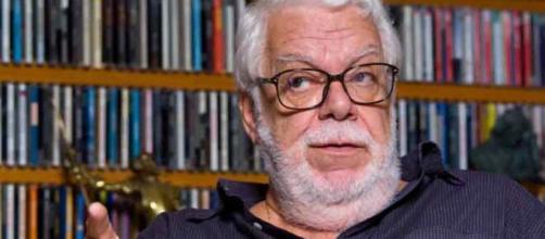 O autor Manoel Carlos tem duas tramas sendo reprisadas: 'Laços de Família' no VPVDN e 'Mulheres Apaixonadas' no Viva. (Arquivo Blasting News)